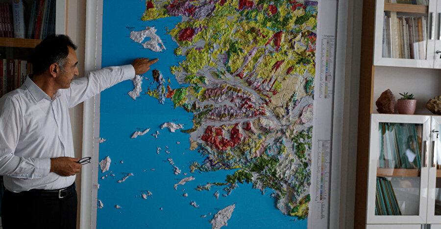 Jeoloji Mühendisleri Odası İzmir Şube Başkanı Alim Murathan -AA