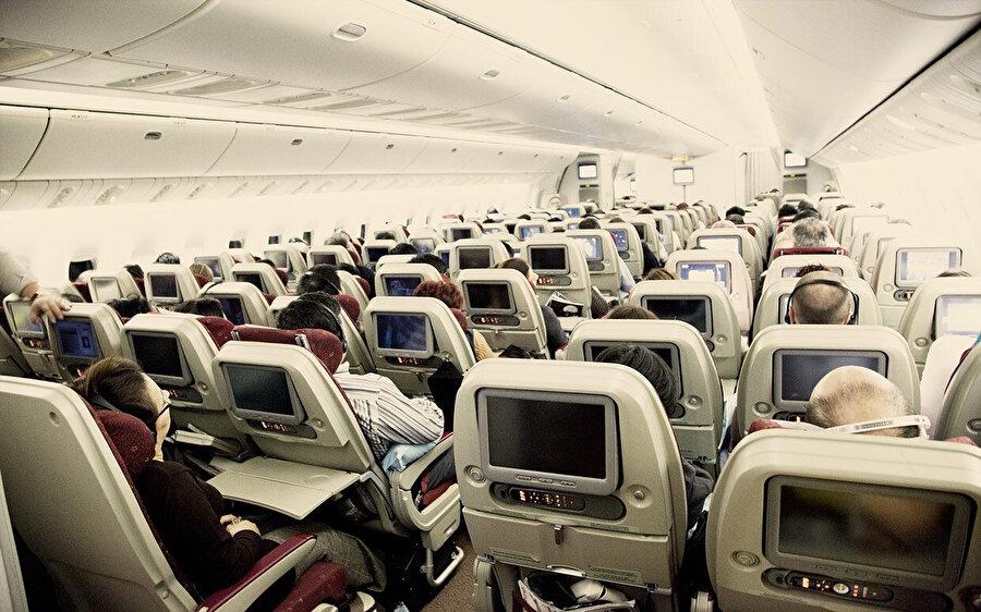 Hava polisleri, normal yolcular gibi koltuklarda oturacaklar.