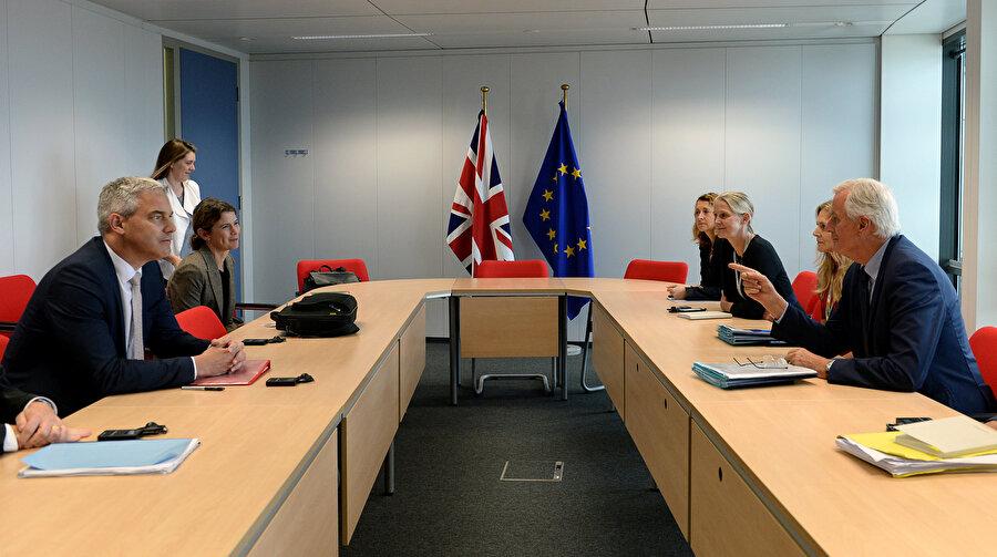 İngiltere ve AB yetkilileri Brüksel'de bir araya gelmişti.