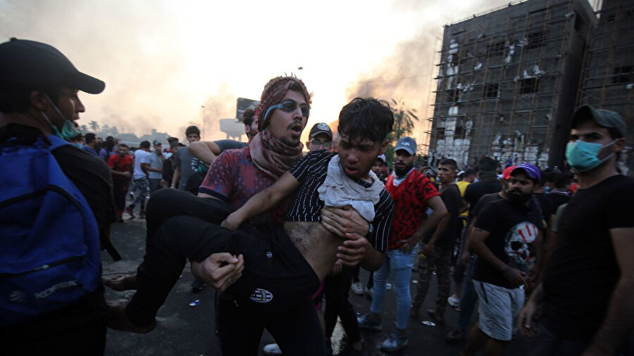 Gösteriler sırasında yaralanan protestocular hastanelerde tedavi altına alındı.