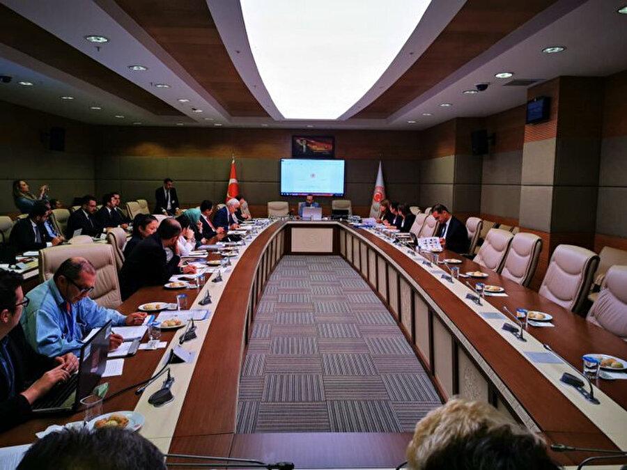 TBMM Hayvan Hakları Araştırma Komisyonunun 10. toplantısından bir kare.