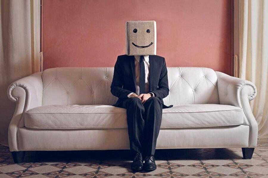 Gülümseyebilmek hayatta bizi her zaman daha öteye taşır