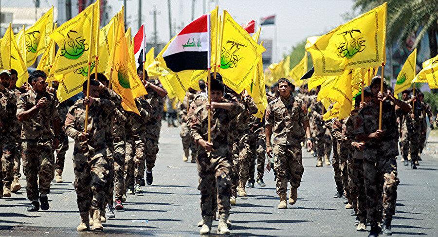 İran destekli Popüler Mobilizasyon Birimleri'ne bağlı askerler.