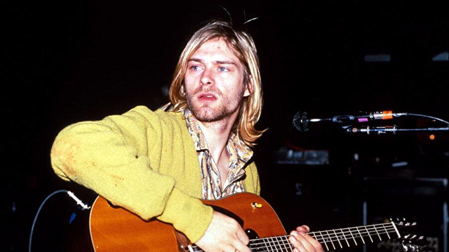 Kurt Cobain, Nisan 1994'te Seattle'daki evinde ölü bulunmuştu