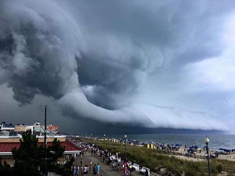 Kasırganın gelişi böyle görüntülendi