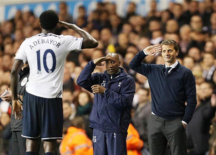 Adebayor, Tottenham forması giydiği dönemde Manchester United'a attığı golün ardından asker selamı vermişti.