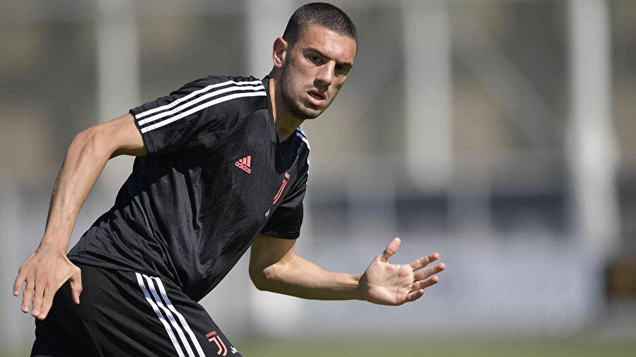 Merih Demiral Juventus antremanında