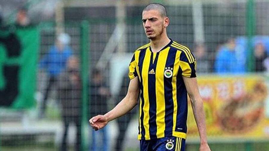 Milli sporcu bir dönem Fenerbahçe forması giydi