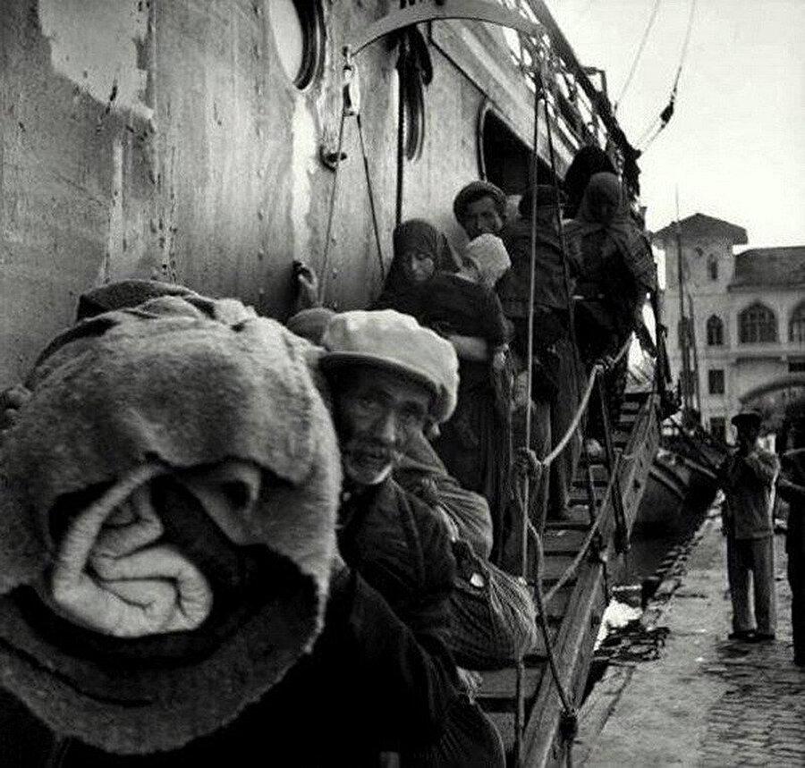 1951'de Bulgaristan'dan sürülen Müslüman Türkler.