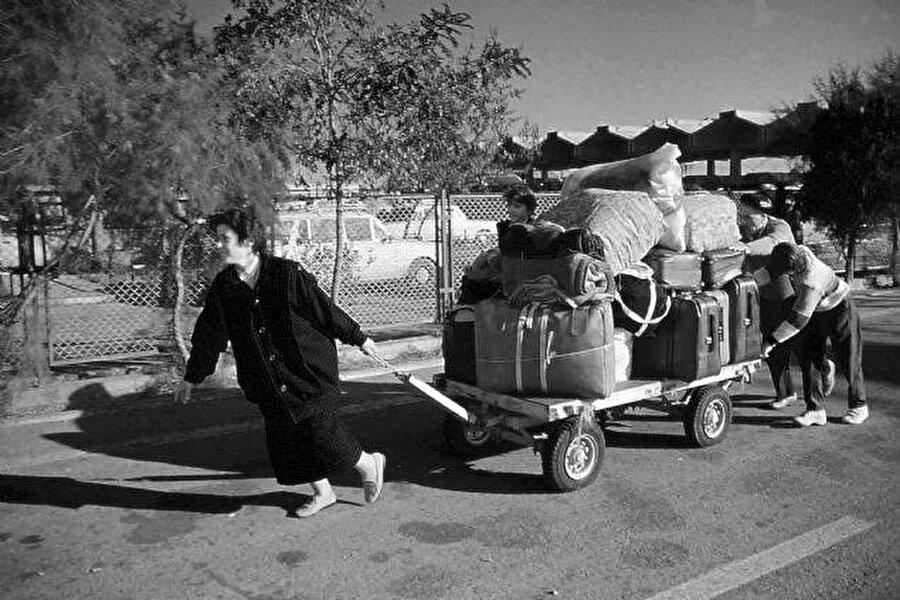 Tüm taşınmazlarını geride bırakarak Türkiye'ye göç eden Bulgar Türkleri.