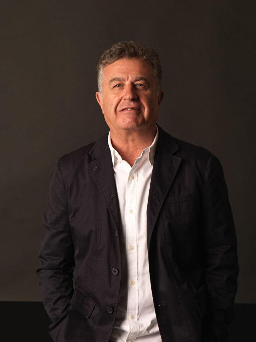 Ali Güreli, yurt dışındaki birçok organizasyona 'onur konuğu' olarak davet edilip çok sayıda farklı konferansta konuşmacı olarak yer alıyor.
