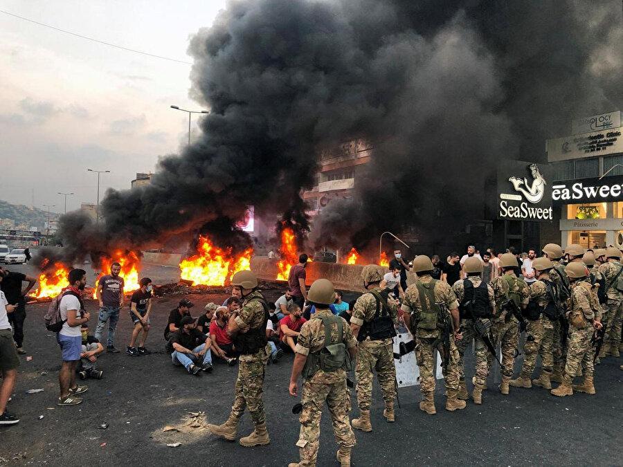 Lübnan ekonomisinin kötü gidişatı ülkede sık sık protesto gösterilerinin düzenlenmesine sebep oluyor.