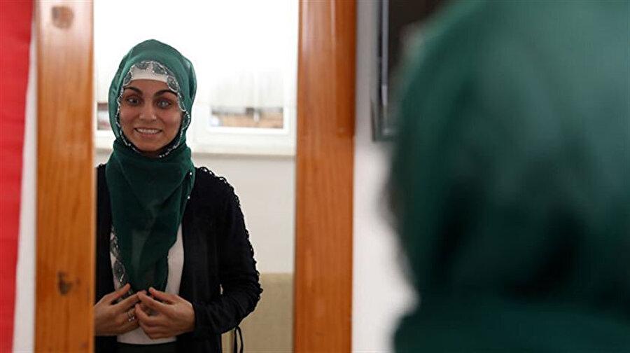 Ayşe Acar, babasının çektiği kredi ile ameliyat oldu.