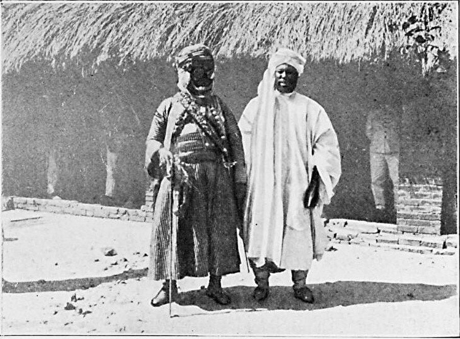 Savaş kıyafetleri içinde Bagirmi Sultanı Gavrang.