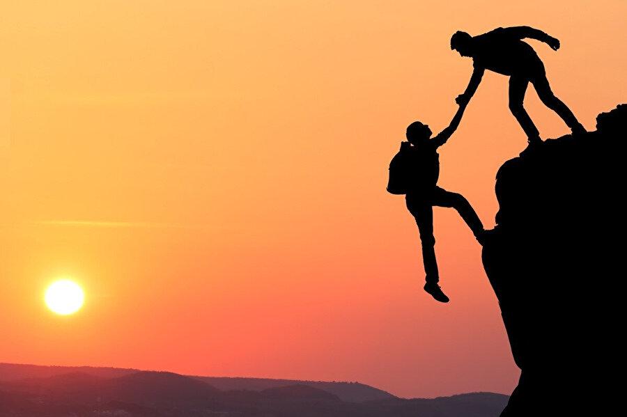 Güvenmek ilk önce sizden başlar. Uçurumun kenarına gelmeden önce kendinize güvenmeyi öğrenmelisiniz.