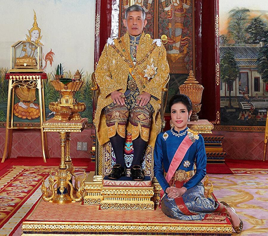 Tayland Kralı ve eşi -REUTERS