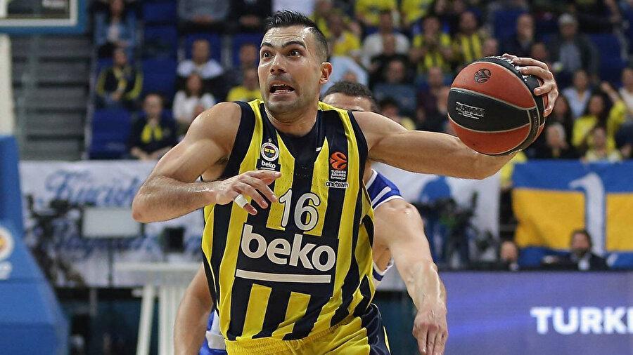 Sloukas bu sezon 12.3 sayı ortalamasıyla oynuyor.