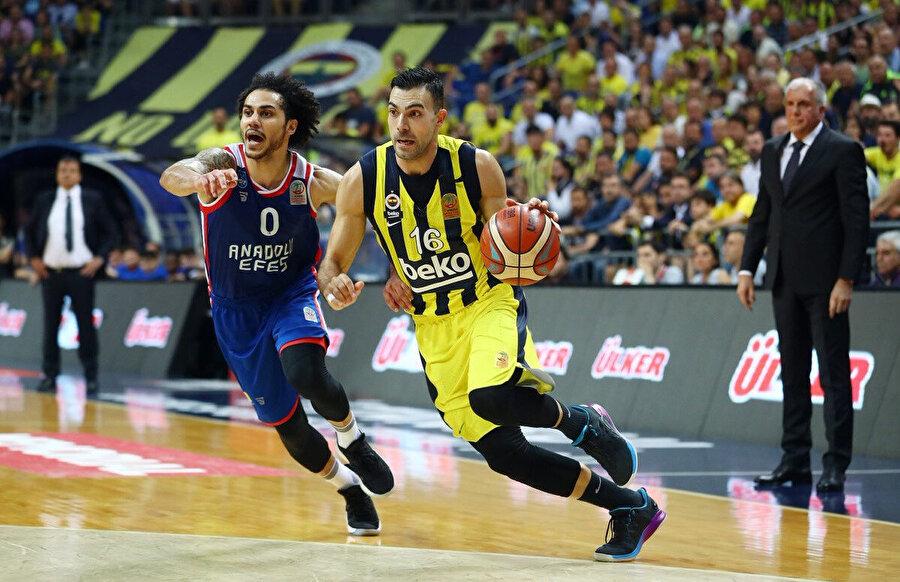 Sloukas bu sezon 7.3 asist ortalaması yakaladı.
