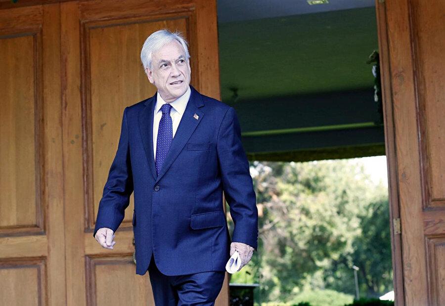Şili Devlet Başkanı Sebastian Pinera da, ülkenin son yıllardaki en zorlu döneminden geçmesine yol açan şiddetli gösterilere son verecek bir çözüme varılabilmesi için siyasi parti liderleriyle görüşeceğini açıklamıştı.