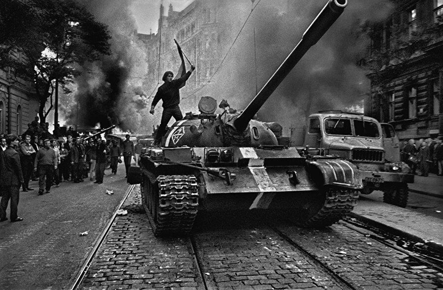 Garaudy'nin şiddetle karşı çıktığı 1968'de SSCB'nin Çekoslovakya'yı işgali.
