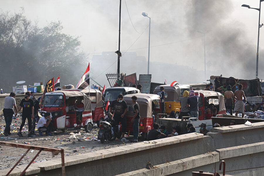 Irak'ta gösterilerin sembolü tuk tuklar.