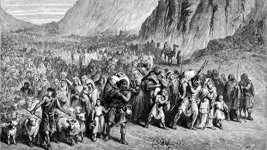 İsrailoğulları, Hz. Musa önderliğinde yanlarına alabildikleri tüm mallarıyla Mısır'dan çıktı.