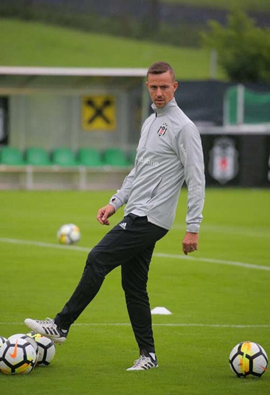 Guti, 2018-2019 sezonunda Beşiktaş'ta yardımcı antrenör olarak görev yapmıştı.