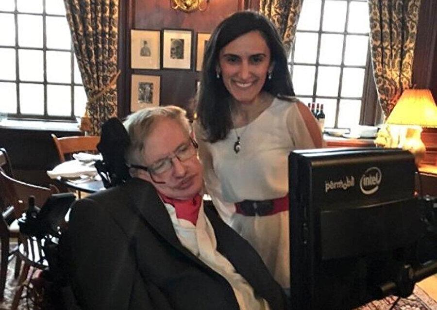 Dağdeviren, fizik profesörü Stephan Hawking ile hayatını kaybetmeden tanışma fırsatı bulmuştu