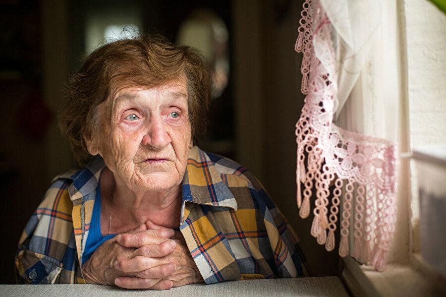 Yaşlılığa dair yapılan araştırmada kırgın ve hassas olmanın nedenleri ortaya çıkarılacak.