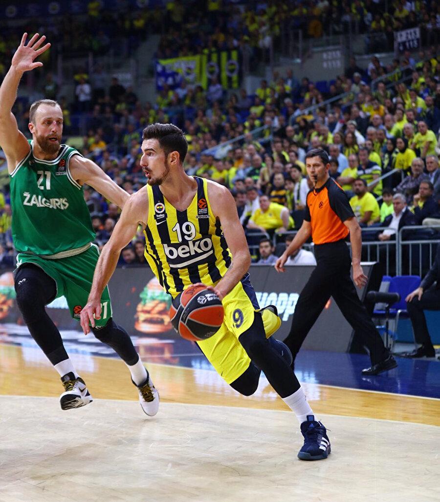 Fenerbahçe Beko bu sezon THY Avrupa Ligi'nde 6 maçta 1 galibiyet elde etti.