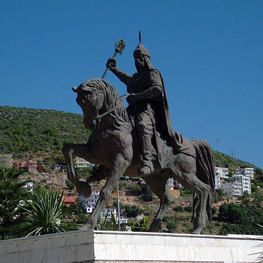 Antalya'ya bağlı Alanya'da bulunan Keykubad Heykeli.