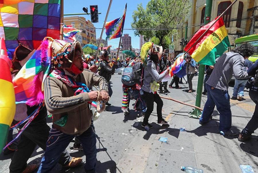 Bolivya vatandaşları sokaklarda... -İHA