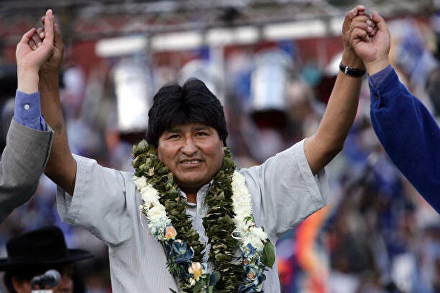 Evo Morales, 18 Aralık 2005'te %53 gibi bir oyla başkanlık seçimlerini ilk turda kazanarak göreve gelmişti.