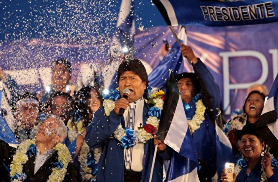 Evo Morales Bolivya tarihinin ilk Kızılderili kökenli başkanı olmuştu.