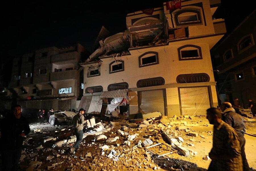 İslami Cihad'ın komutanı Beha Ebu'l Ata'nın İsrail'in saldırısına uğrayan evi.