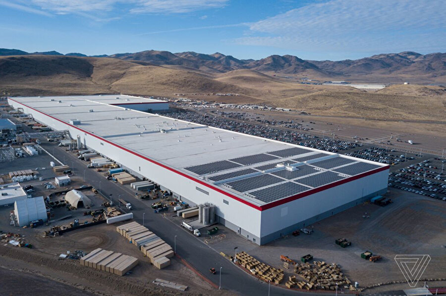 Tesla'nın Gigafactory üretim tesisi