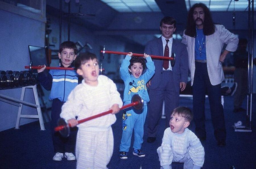 Naim Süleymanoğlu, Barış Manço ve çocuklar