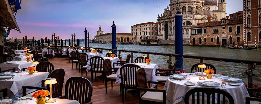 Venedik'in muhteşem manzaralı yemek yerleri.