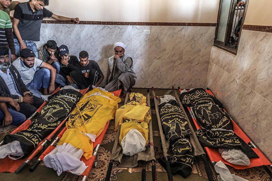 Saldırıda yaşamını yitiren Sevarika ailesi üyeleri.