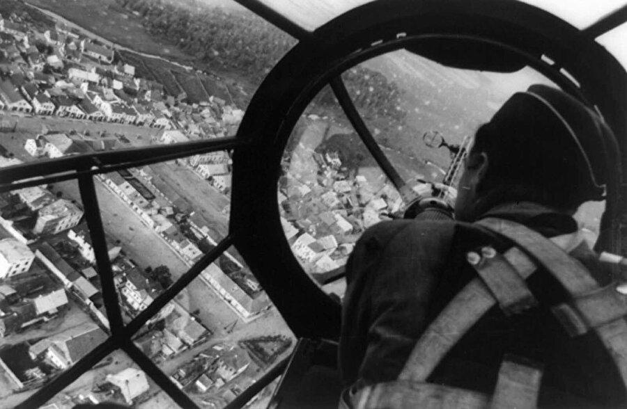 Bir Alman bombardıman uçağından Polonya'nın henüz hasar görmemiş hali.