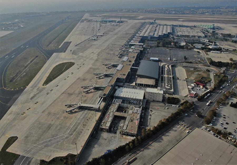 Atatürk Havalimanı'nın havadan görüntüsü.