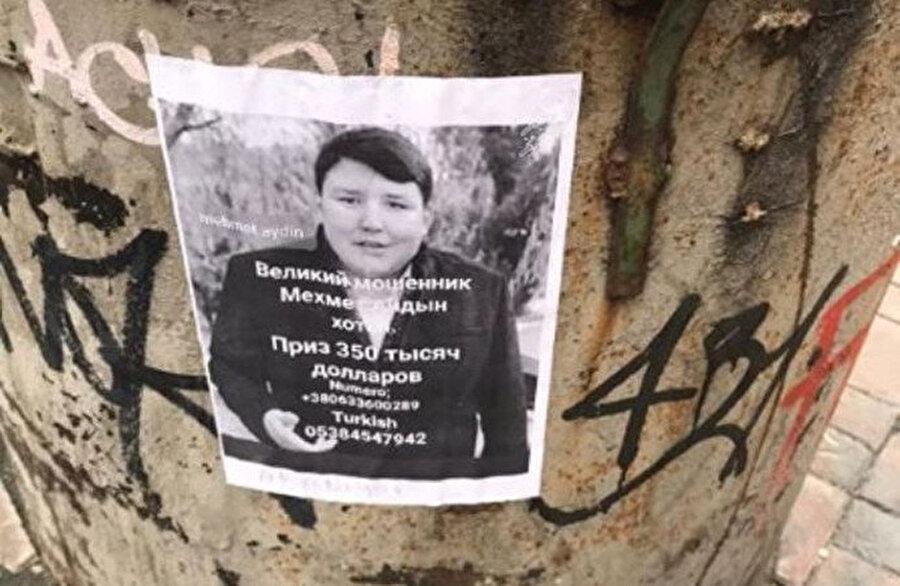 Mağdurlar Ukrayna'da afiş bastırdı.