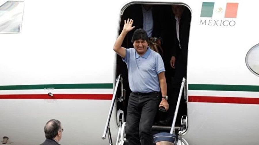 Morales kendisine iltica hakkı tanıyan Meksika'ya geçmişti.