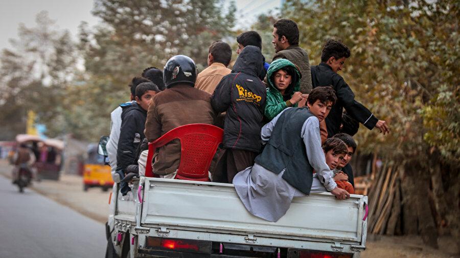 Kaderle barışık bir hayat süren Afganlar.