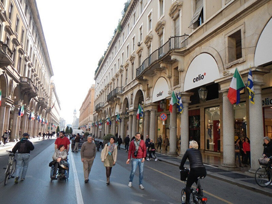 Roma Caddesi.