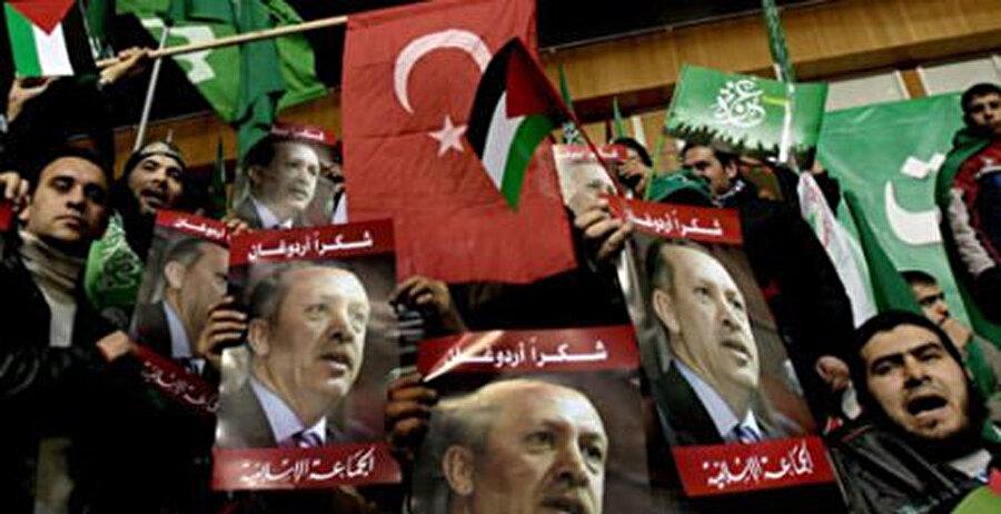 """Lübnan sokakları """"Osmanlı bizim ecdadımızdır"""" sesleriyle inlemişti..."""