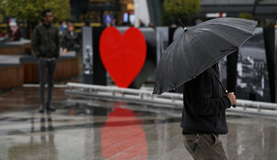 İstanbul'da ise akşam saatlerinde yağış etkili olacak.