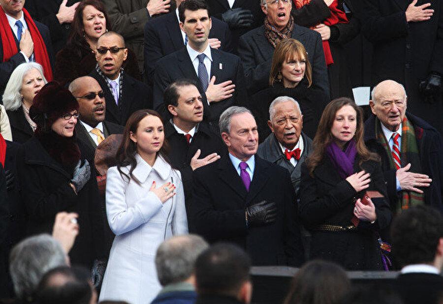 Michael Bloomberg'ün Georgina ve Emma adında iki kızı var.