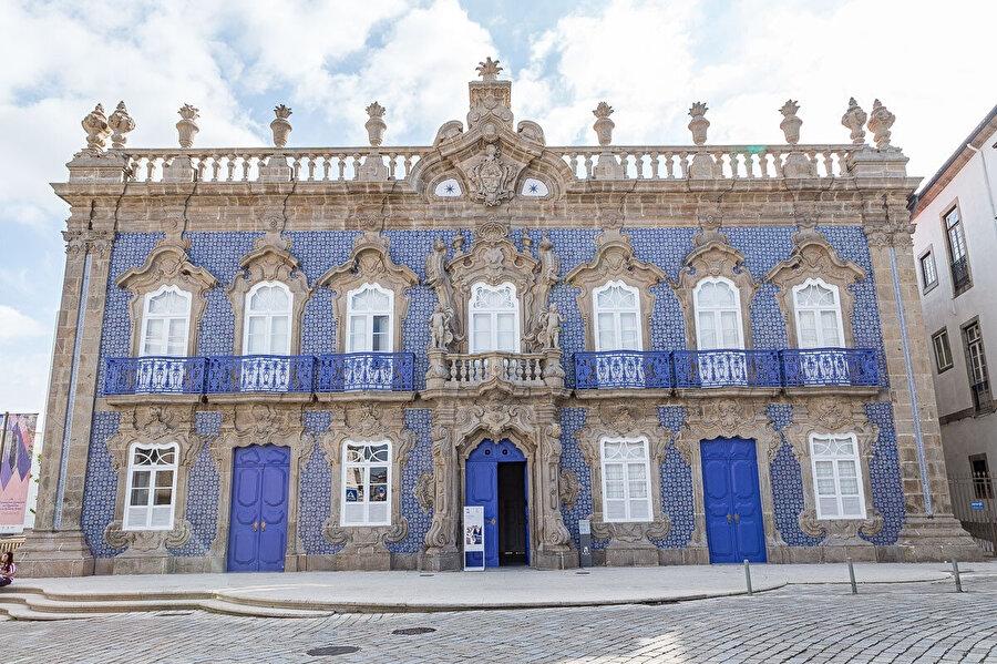 Raio Sarayı.