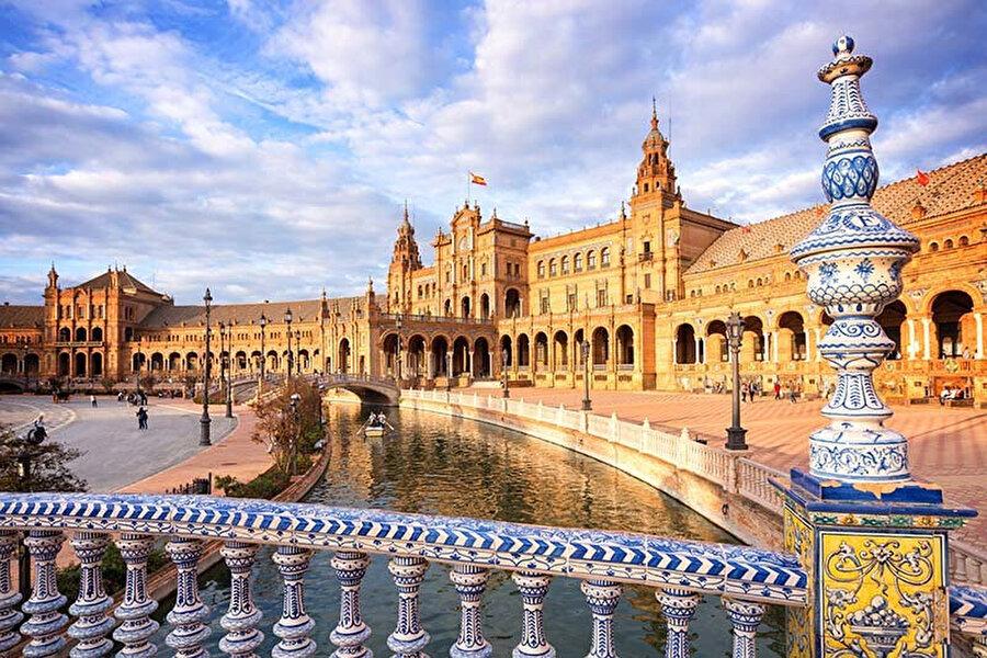 İspanya Meydanı.